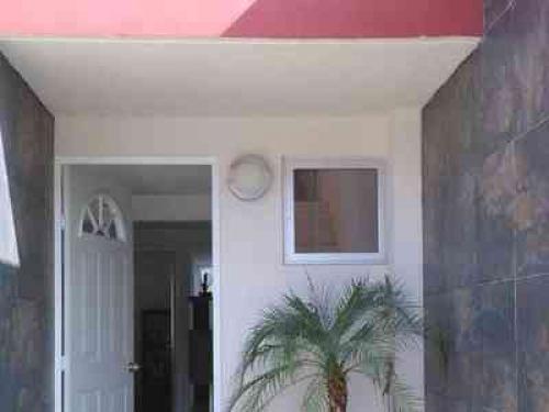 bonita casa de 2 pisos utiliza tu credito INFONAVIT