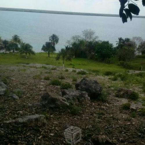 Terreno con laguna en bacalar