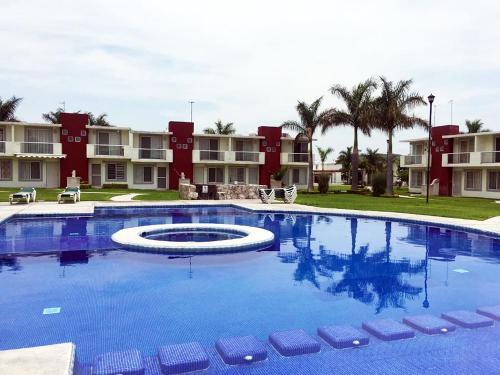 ¡Hermosa casa en condominio residencial en Xochitepec Morelos!