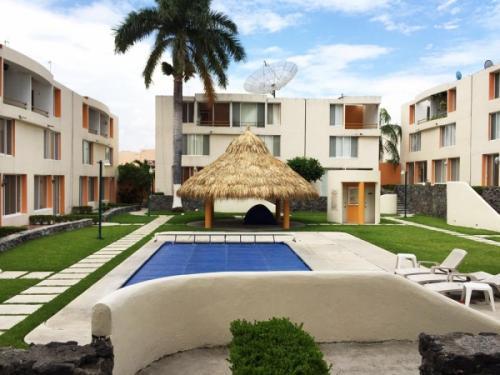 Preciosa casa con alberca en Residencial Oasis Xochitepec