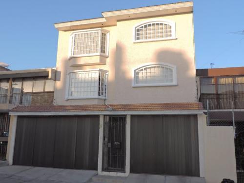 Casa con excelentes espacios venta en Satélite, Naucalpan