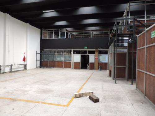 Bodega industrial o comercial en renta Col. El Conde, Naucalpan